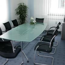 Besprechungsraum für Sie und Ihre Kunden: optimal ausgestatteter Besprechungsraum für Ihr Meeting mit Platz für bis zu 8 Personen.