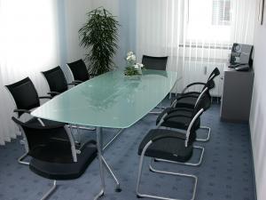 Besprechungen / Meetings im Konferenzraum für bis zu 8 Personen