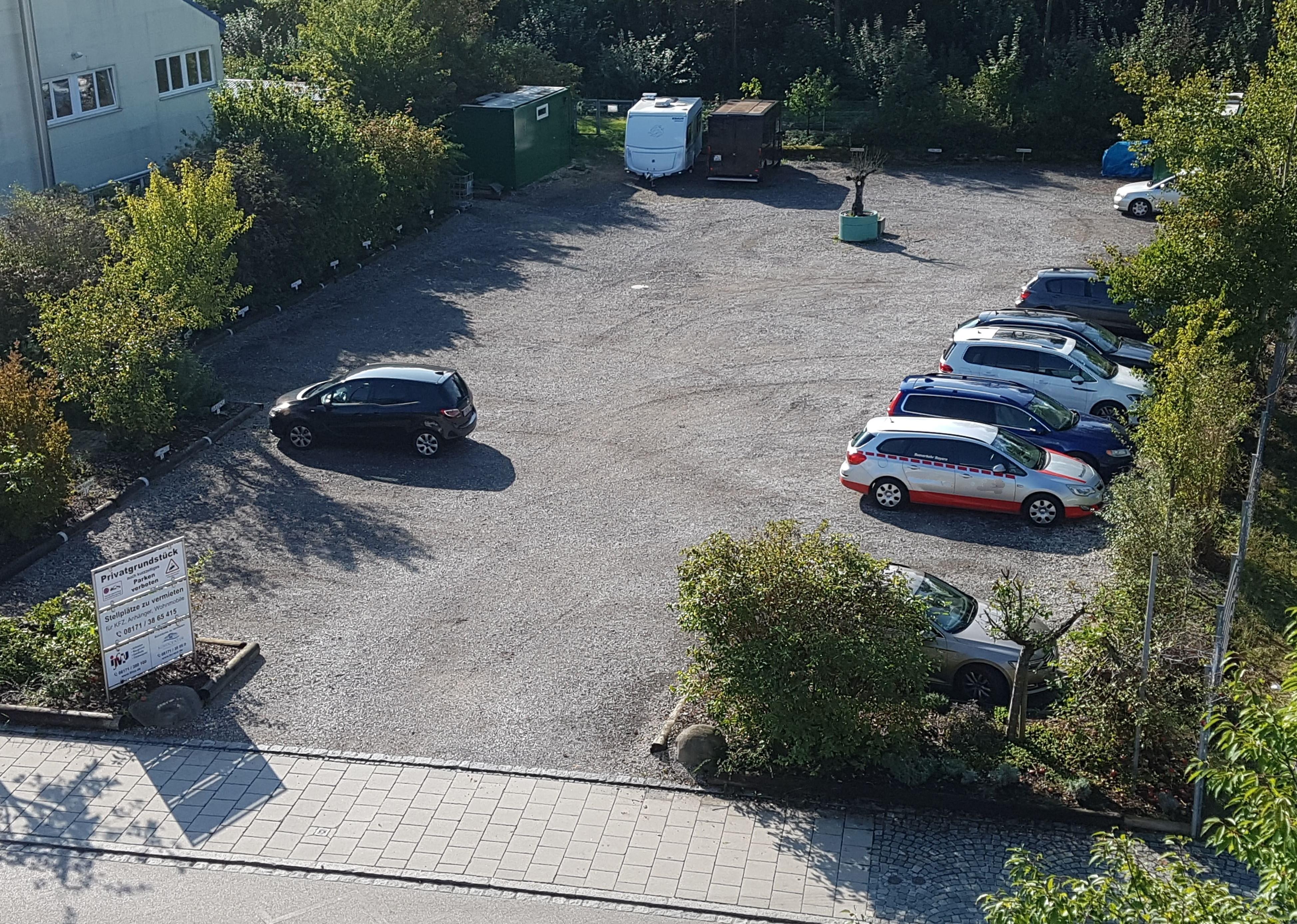 Parkplatz direkt gegenüber